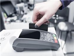 玩卡技巧,如何挑选信用卡刷卡机省钱赚钱。